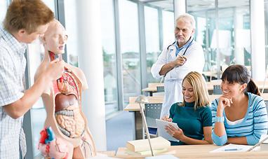 students_of_lvn_nursing_program_at_medical_school